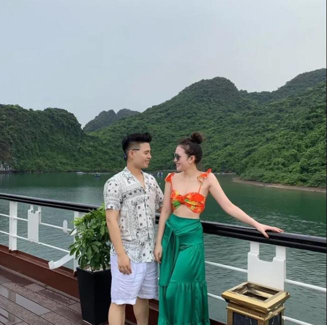 Cuộc sống của cô dâu '200 cây vàng' ở Nam Định khiến nhiều người xuýt xoa: Đồng hồ tiền tỷ, du lịch siêu sang chảnh - Ảnh 5