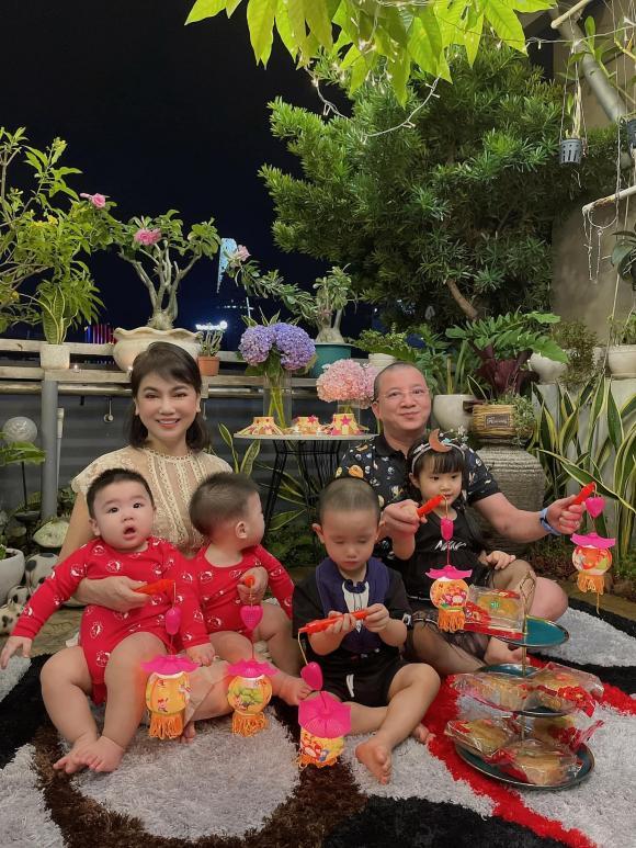 Diệp Lâm Anh bất ngờ khoe bố mẹ chồng trên trang cá nhân, đập tan tin đồn ly hôn chồng đại gia - Ảnh 2