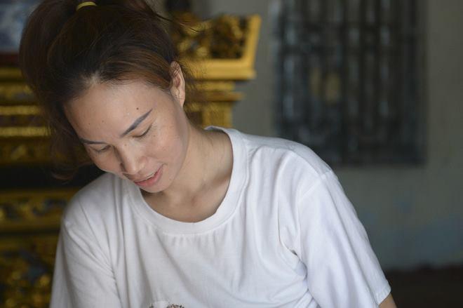 Hà Nội: Cặp vợ chồng có 6 con học online nhưng nhà có duy nhất 2 điện thoại, thầy hiệu trưởng cho mượn 1 chiếc - Ảnh 4