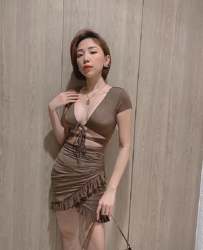 Netizen 'rần rần' khi Tóc Tiên khoe bộ trang phục 'mặc như không mặc', thực tế thì cô còn có nhiều pha lên đồ 'hư hỏng' hơn - Ảnh 6