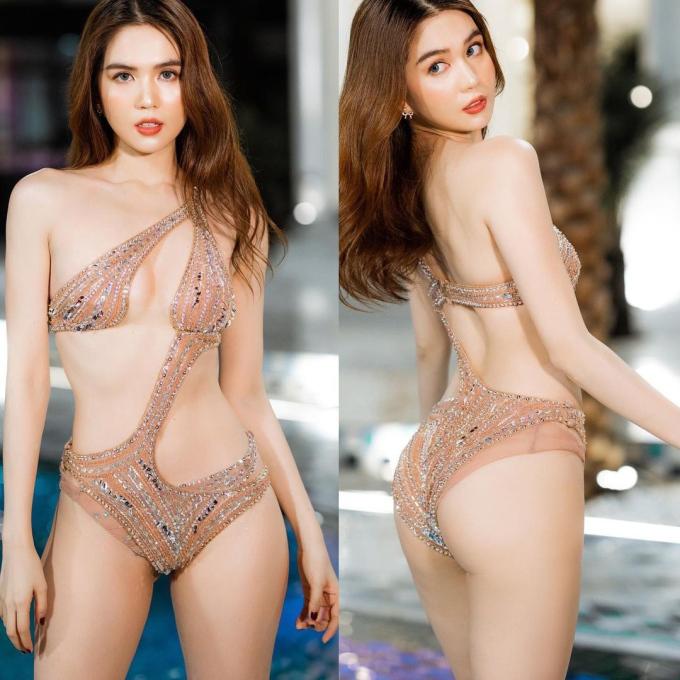 Ngọc Trinh lại khiến dân mạng 'xịt máu mũi' với những bộ bikini xẻ 'sâu hun hút', có bộ 'mặc như không mặc' - Ảnh 1