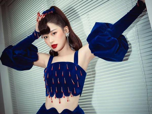 Nữ ca sĩ người Hàn từng bị 'tẩy chay' sau khi tham gia 'Nhanh như chớp' giờ đã 'lột xác', có một thứ khiến Ngọc Trinh cũng phải chịu thua - Ảnh 1