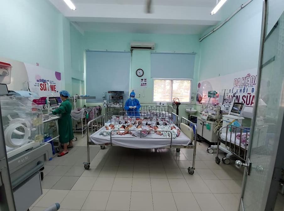 Trang chính thức của bệnh viên Hùng Vương đính chính thông tin các bé sơ sinh thiếu tã, sữa: 'Đây là những thông tin sai sự thật!' - Ảnh 1