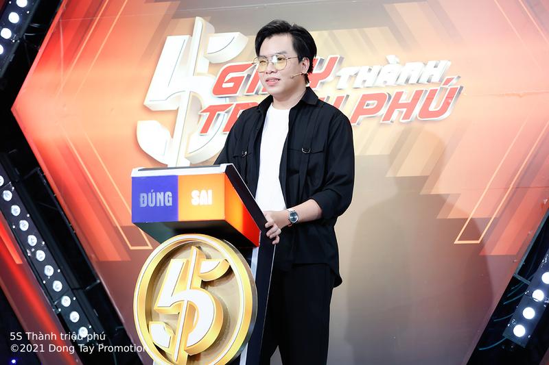 Hứa Kim Tuyền bất lực 'kêu trời' khi gặp phải bộ 3 tư vấn vũ trụ