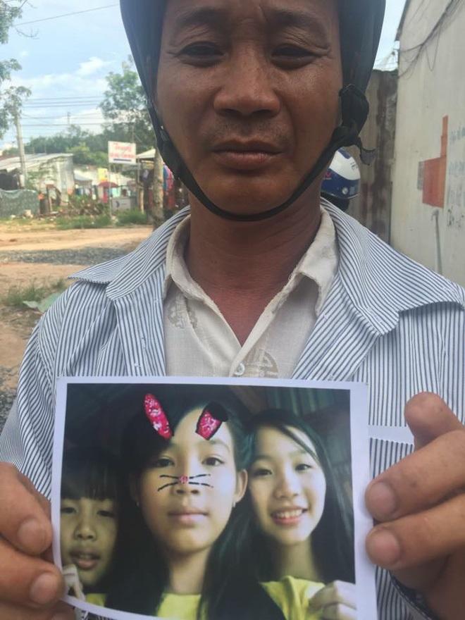 Ba bé gái đột nhiên mất tích, người cha tá hỏa đi tìm con khắp nơi trong vô vọng - Ảnh 2
