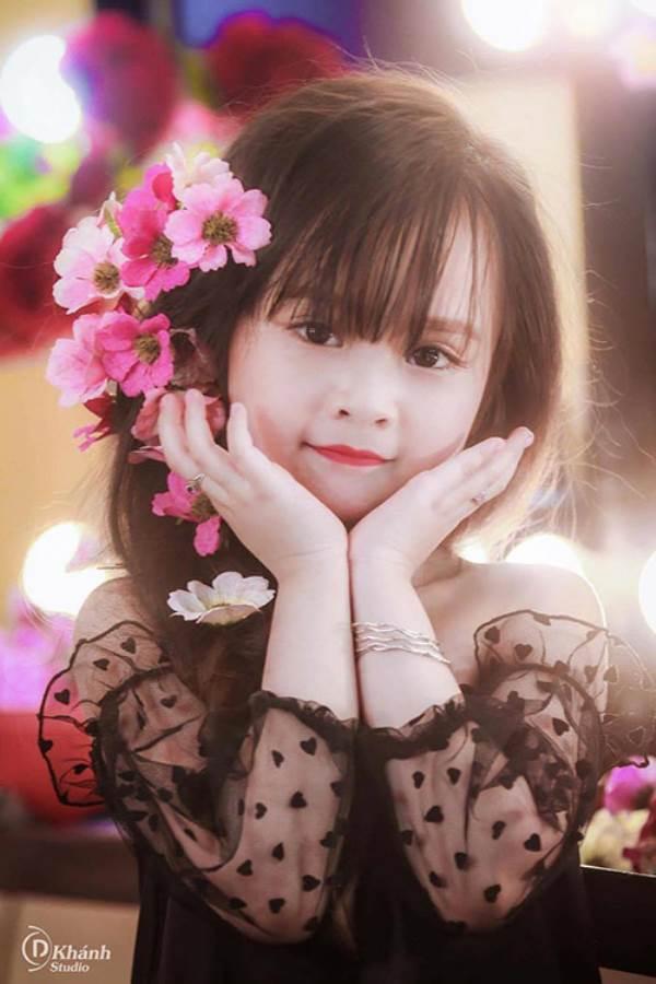 Bé gái Tuyên Quang 6 tuổi xinh đẹp như thiên thần trong truyện tranh - Ảnh 4