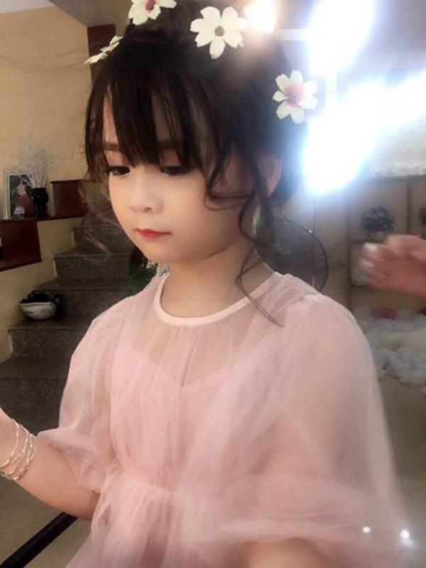 Bé gái Tuyên Quang 6 tuổi xinh đẹp như thiên thần trong truyện tranh - Ảnh 15