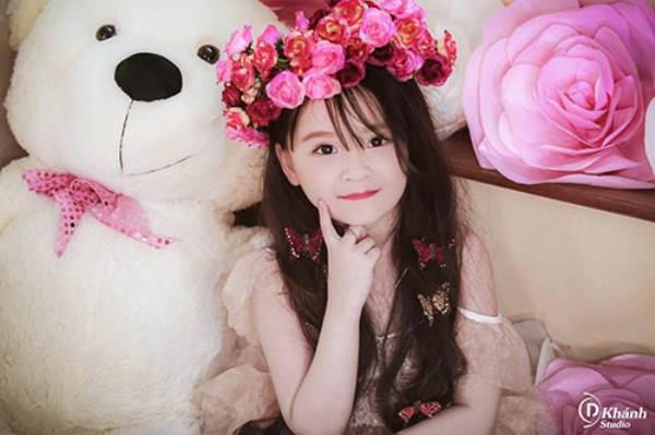 Bé gái Tuyên Quang 6 tuổi xinh đẹp như thiên thần trong truyện tranh - Ảnh 7