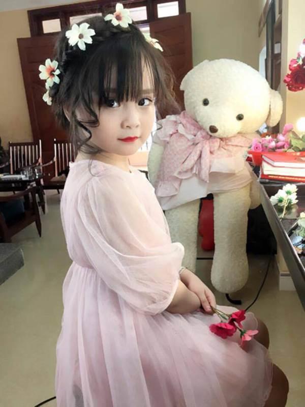 Bé gái Tuyên Quang 6 tuổi xinh đẹp như thiên thần trong truyện tranh - Ảnh 17