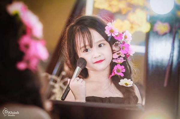Bé gái Tuyên Quang 6 tuổi xinh đẹp như thiên thần trong truyện tranh - Ảnh 5
