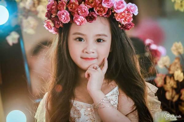 Bé gái Tuyên Quang 6 tuổi xinh đẹp như thiên thần trong truyện tranh - Ảnh 9