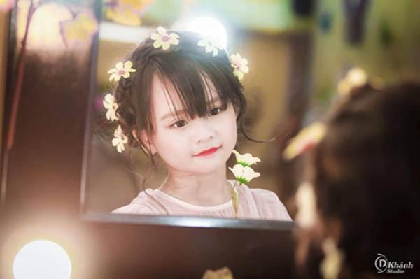 Bé gái Tuyên Quang 6 tuổi xinh đẹp như thiên thần trong truyện tranh - Ảnh 11