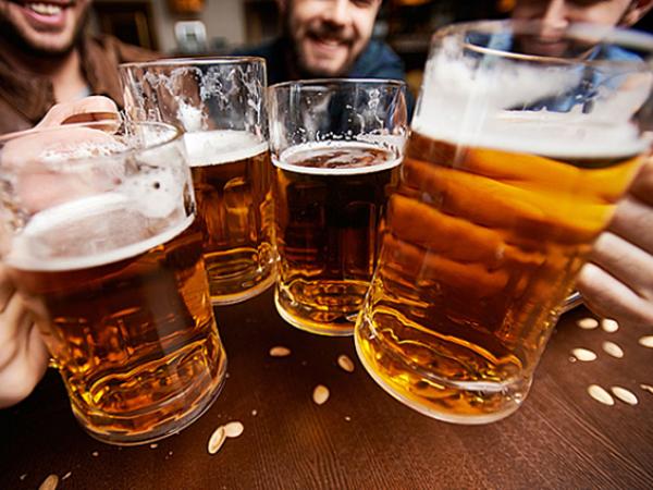 Bộ Y tế hướng dẫn cách uống rượu, bia an toàn ngày Tết