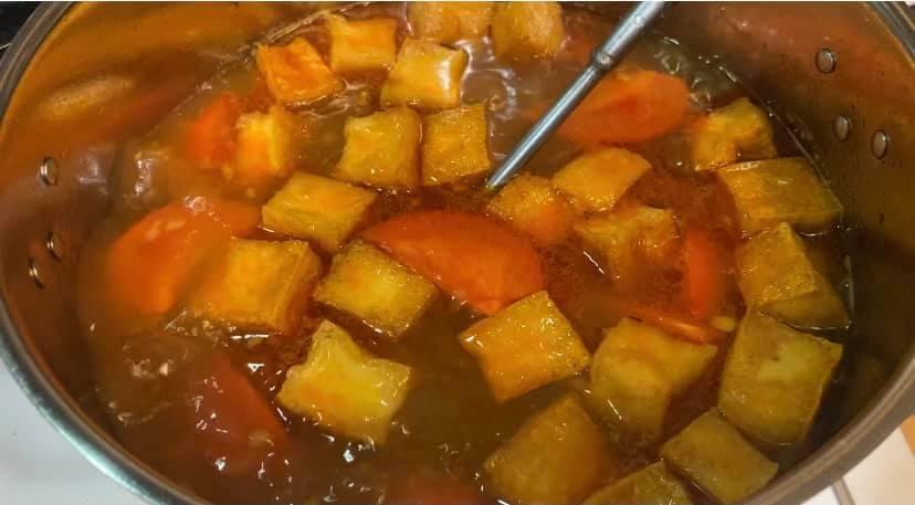 Mẹ đảm bật mí cách nấu bún ốc ngon đúng chuẩn Hà Nội: Thịt ốc dai giòn cùng nước dùng đậm đà 'ăn thật đã'  - Ảnh 5