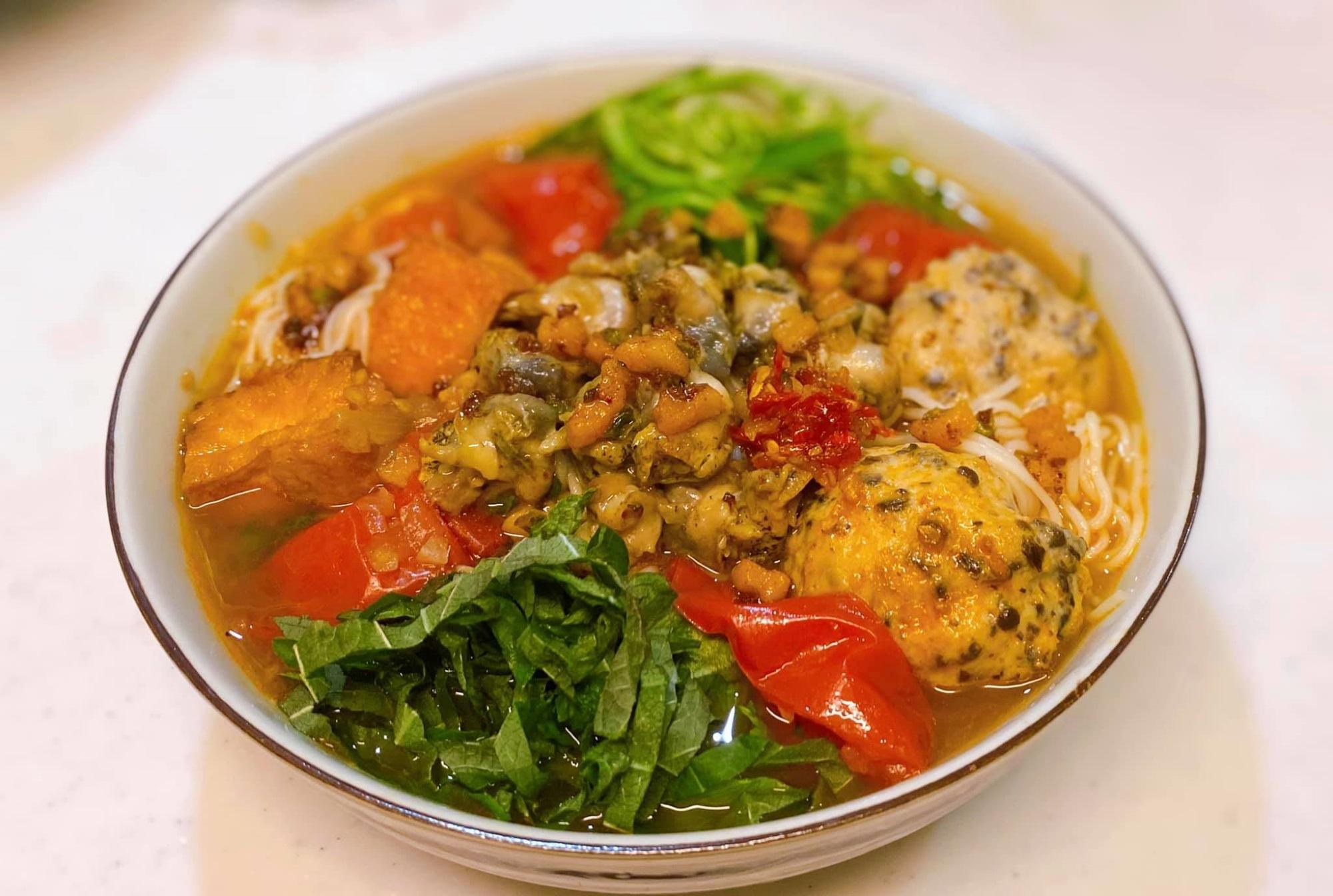Mẹ đảm bật mí cách nấu bún ốc ngon đúng chuẩn Hà Nội: Thịt ốc dai giòn cùng nước dùng đậm đà 'ăn thật đã'  - Ảnh 8