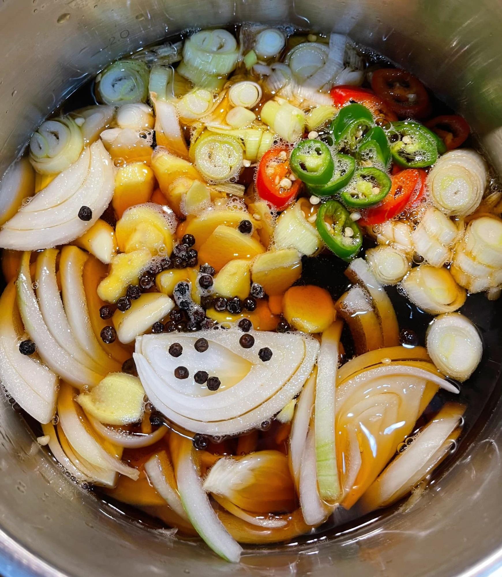 Cách làm cá hồi ngâm tương đậm vị, đưa cơm - ăn một miếng 'tay chân quắn quéo' vì quá ngon - Ảnh 2