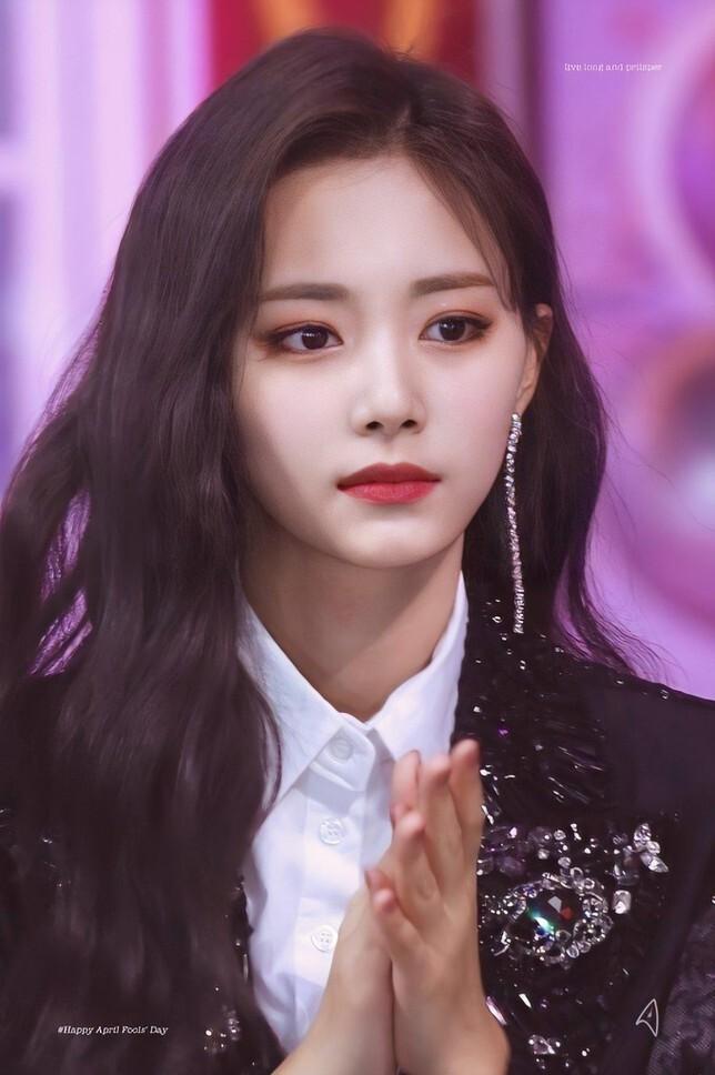BXH 20 em út Kpop được fan quốc tế yêu thích nhất: Lisa (Blackpink) đứng vững vị trí top 3, 'út cưng' Jungkook (BTS) liệu có giành vị trí NO.1 trước nhiều đối thủ nặng kí? - Ảnh 15