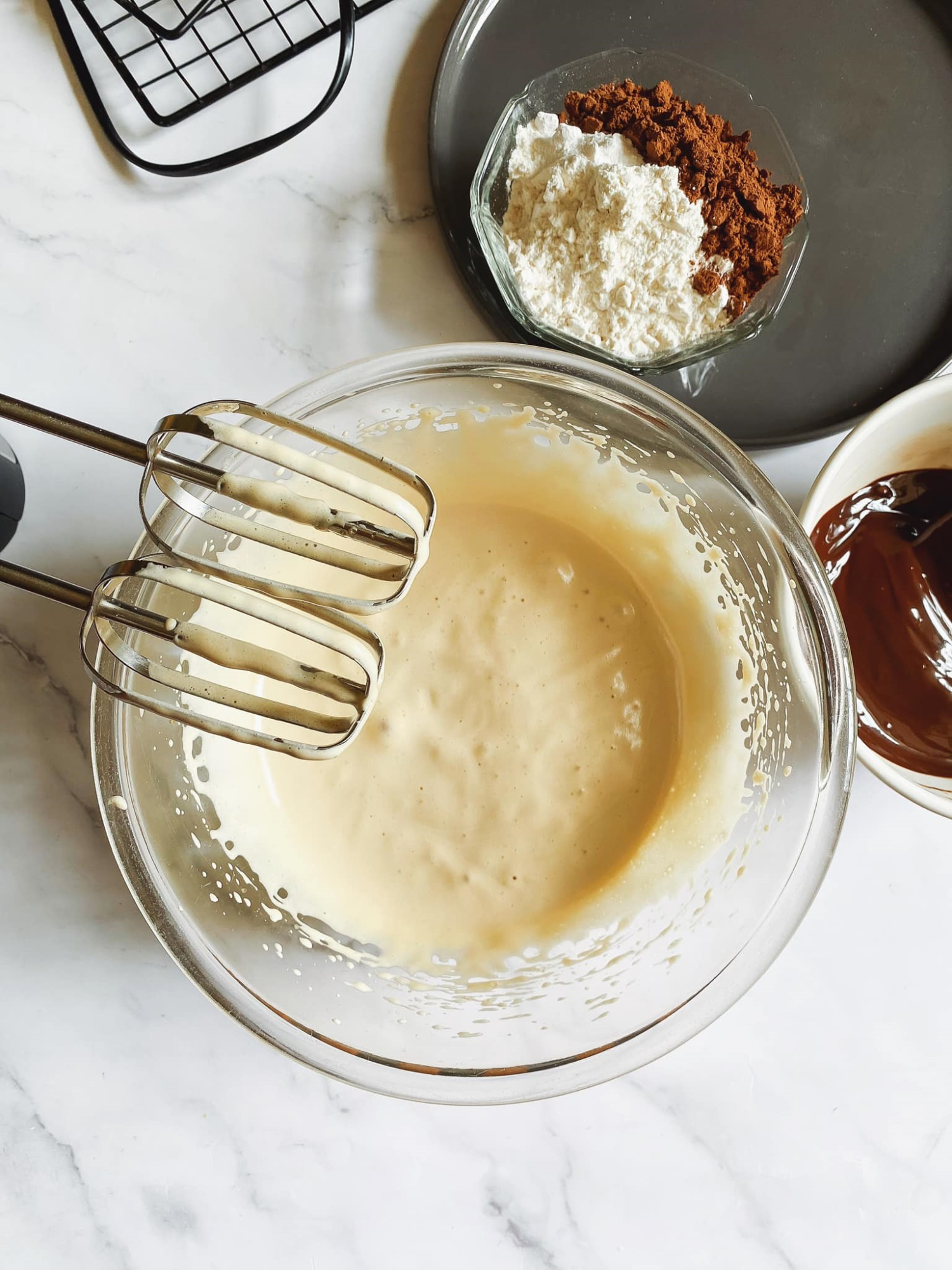 Biến cuộc sống nhàm chán ở nhà trở nên thú vị, 'ngọt lịm' với món bánh quy 'Brownie quái vật', trẻ thì thích chồng thì khen ngon - Ảnh 3