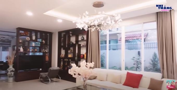 Khối tài sản kếch xù của 4 nữ ca sĩ giàu có nhất nhì Việt Nam: Hàng hiệu, xế hộp không thiếu, có người tậu ngay biệt thự 400 m2 ở Mỹ - Ảnh 18