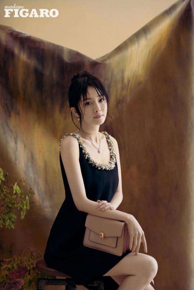 Dương Mịch càn quét loạt tạp chí lớn nhất Trung Quốc: Dịu dàng, kiêu sa như 'thần tiên tỷ tỷ' trong loạt tạp chí mới - Ảnh 8