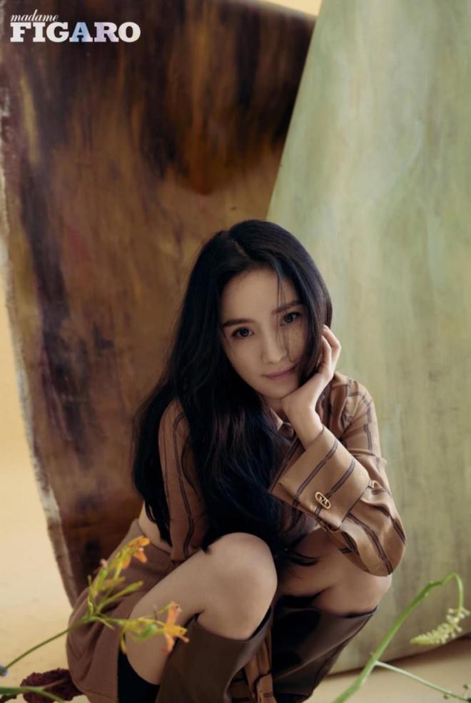 Dương Mịch càn quét loạt tạp chí lớn nhất Trung Quốc: Dịu dàng, kiêu sa như 'thần tiên tỷ tỷ' trong loạt tạp chí mới - Ảnh 6