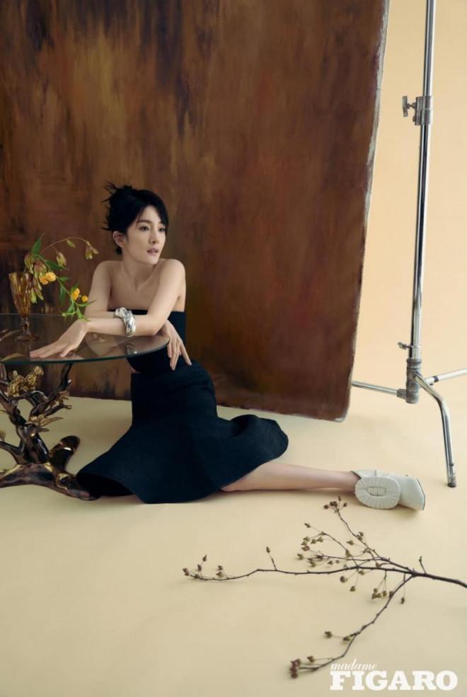 Dương Mịch càn quét loạt tạp chí lớn nhất Trung Quốc: Dịu dàng, kiêu sa như 'thần tiên tỷ tỷ' trong loạt tạp chí mới - Ảnh 7