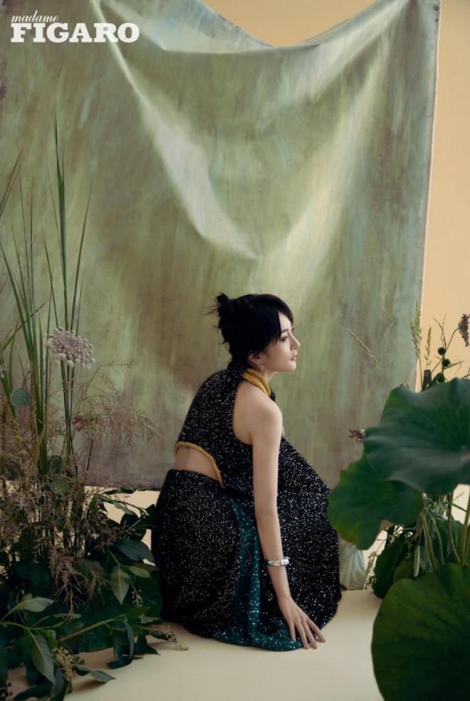 Dương Mịch càn quét loạt tạp chí lớn nhất Trung Quốc: Dịu dàng, kiêu sa như 'thần tiên tỷ tỷ' trong loạt tạp chí mới - Ảnh 5
