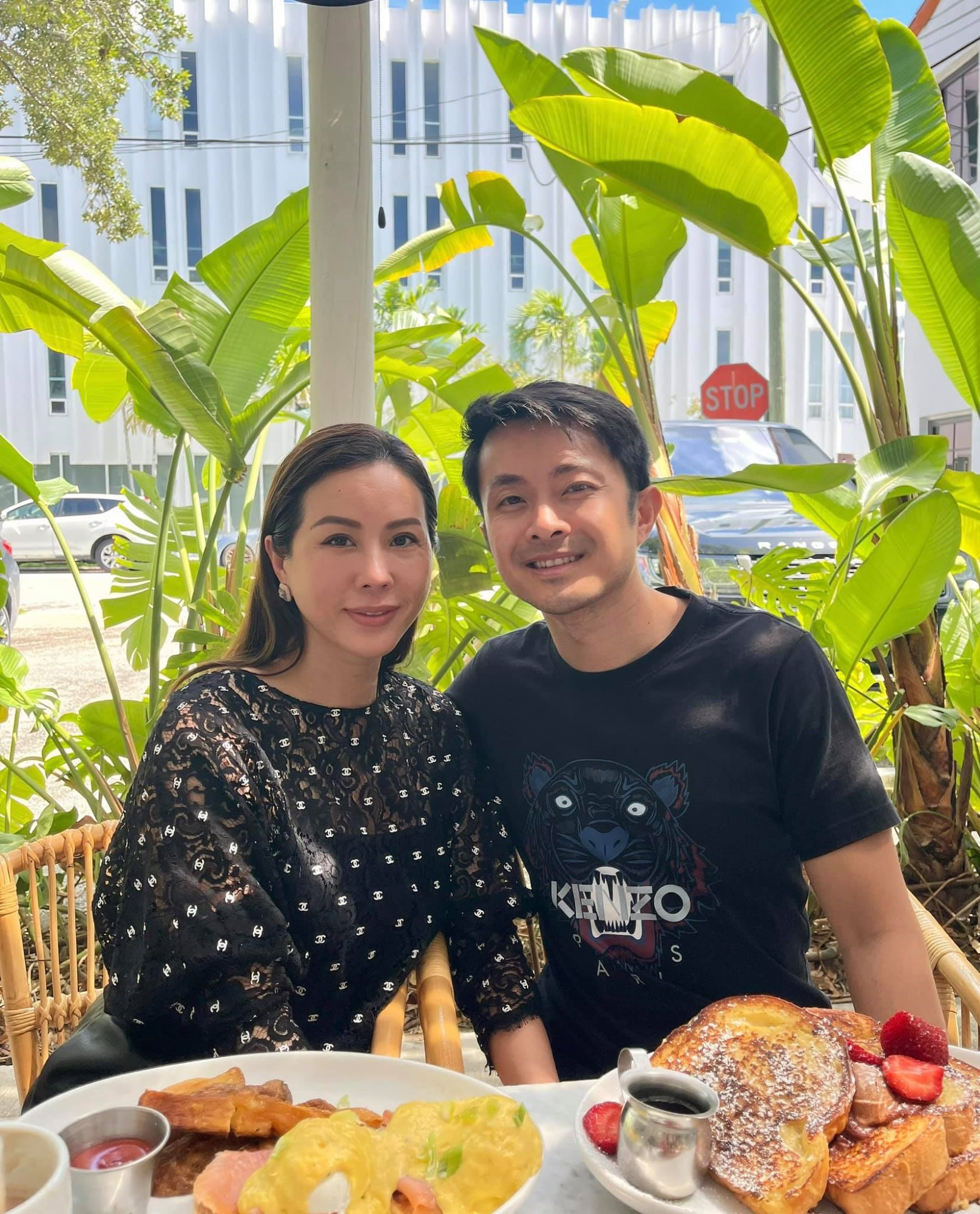 Hôn nhân tan vỡ, mỹ nhân Việt nên duyên cùng tình trẻ: Người được cưng chiều hết nấc, người kết hôn cùng 'phi công' kém 10 tuổi  - Ảnh 7