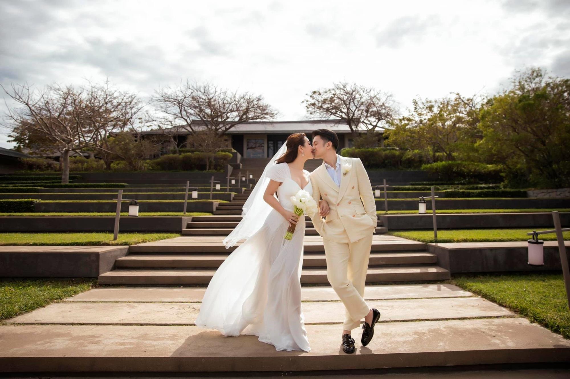 Hôn nhân tan vỡ, mỹ nhân Việt nên duyên cùng tình trẻ: Người được cưng chiều hết nấc, người kết hôn cùng 'phi công' kém 10 tuổi  - Ảnh 10
