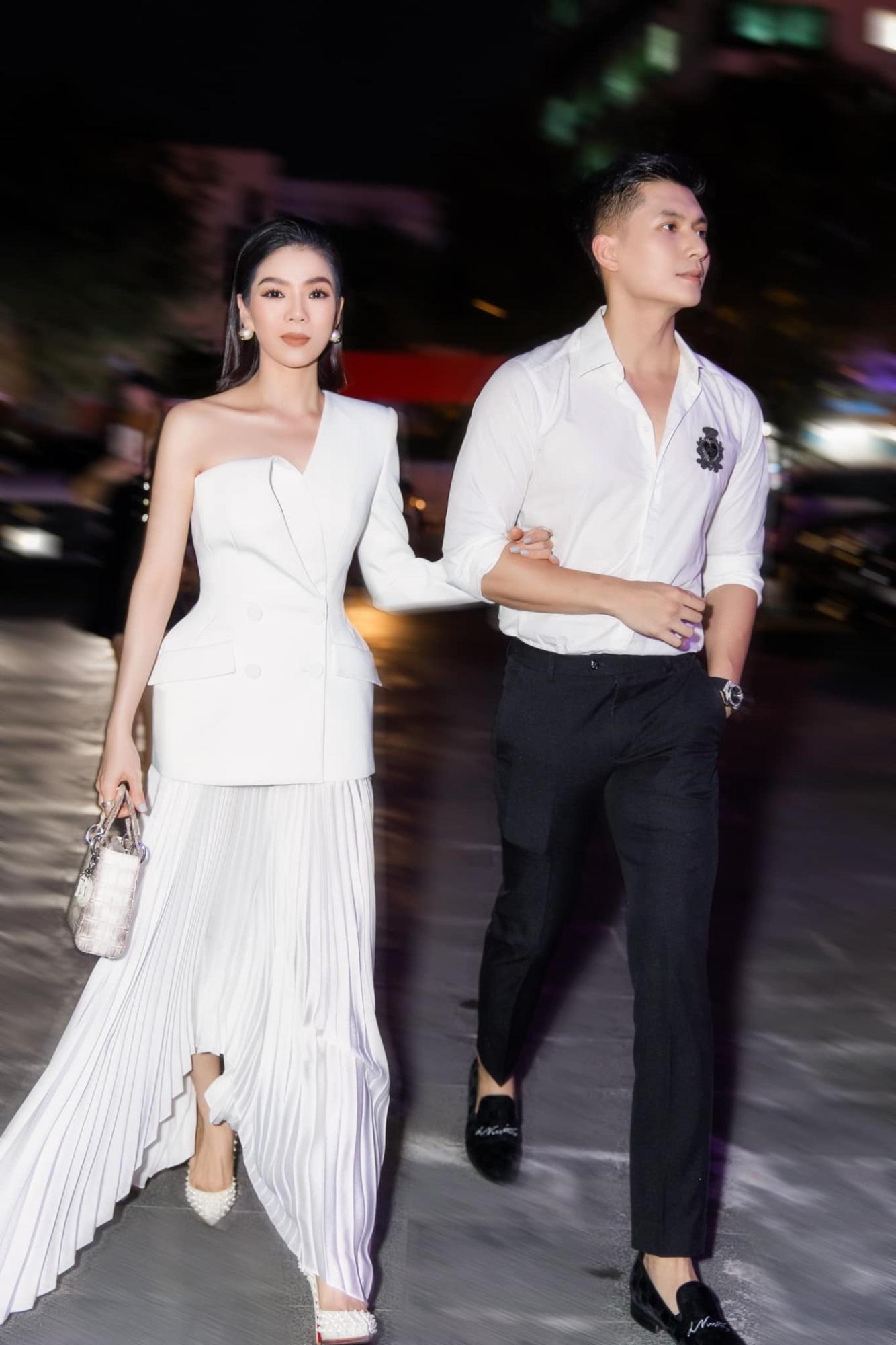 Hôn nhân tan vỡ, mỹ nhân Việt nên duyên cùng tình trẻ: Người được cưng chiều hết nấc, người kết hôn cùng 'phi công' kém 10 tuổi  - Ảnh 3