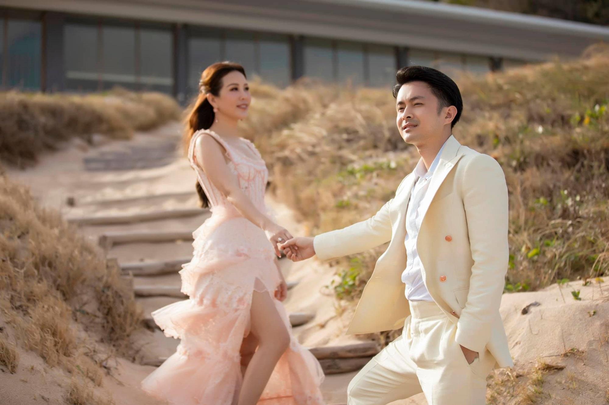 Hôn nhân tan vỡ, mỹ nhân Việt nên duyên cùng tình trẻ: Người được cưng chiều hết nấc, người kết hôn cùng 'phi công' kém 10 tuổi  - Ảnh 9
