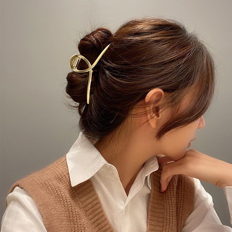 Thăng hạng sắc đẹp 'nhanh như chớp' với 3 phụ kiện tóc vừa rẻ vừa xinh - Ảnh 5