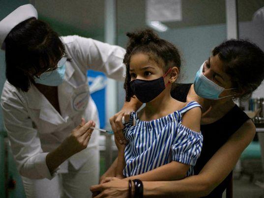 Các quốc gia trên thế giới đẩy mạnh tiêm vaccine cho trẻ em, loại vaccine nào được chọn?