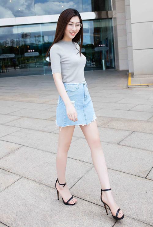 Bí quyết phối chân váy bò với từng loại áo cực chuẩn: Muốn mặc đẹp và sành điệu chẳng có gì khó - Ảnh 12