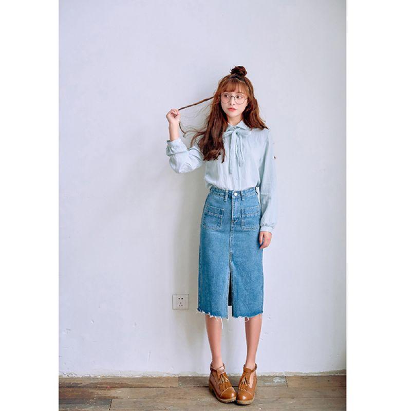 Bí quyết phối chân váy bò với từng loại áo cực chuẩn: Muốn mặc đẹp và sành điệu chẳng có gì khó - Ảnh 2