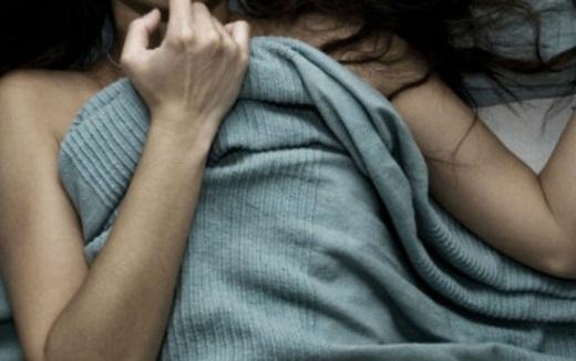 Từ 1/1/2018, nếu vợ ép chồng làm điều này sẽ phạm tội hiếp dâm, bị phạt tù từ 2 đến 7 năm - Ảnh 1