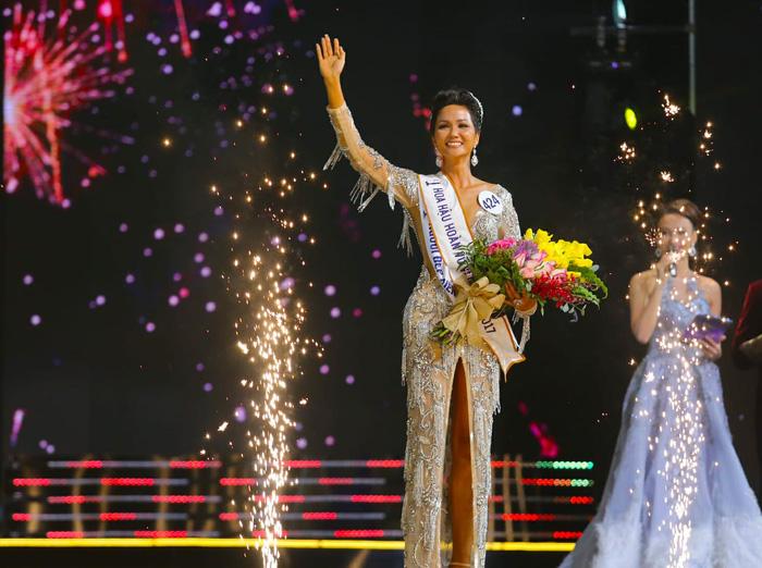 Phản ứng của cư dân mạng quốc tế khi H'Hen Niê đăng quang Hoa hậu Hoàn vũ Việt Nam - Ảnh 5