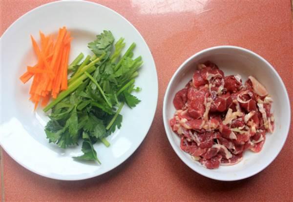 Xôi chiên ăn kèm thịt bò xào cần tây - Ảnh 6