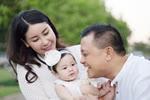 Hà Kiều Anh khoe ảnh <a taget='_blank' data-cke-saved-href='/tag/gia-dinh' href='/tag/gia-dinh'><i>gia đình</i></a>, thân thiết con riêng của chồng