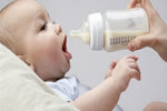 Ăn ít hơn nhu cầu, trẻ sơ sinh sẽ bị ảnh hưởng não