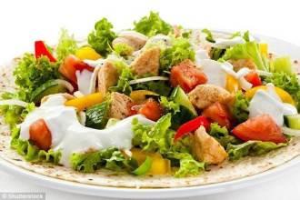 Để không bị béo lên thì bạn phải ăn trưa theo cách này mới chuẩn