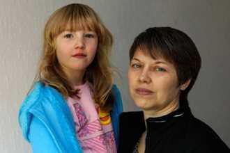 Người mẹ không ngờ vật dụng quen thuộc này khiến con 6 tuổi bị bỏng rộp, chảy máu môi