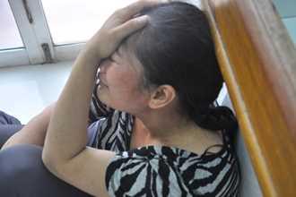 Không sinh được con trai, mẹ sau sinh nhẫn tâm đâm cả 5 con gái