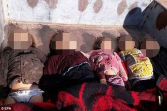Chết lặng với hình ảnh thi thể trẻ em nằm la liệt trên đường phố sau cuộc tấn công bằng khí hóa học