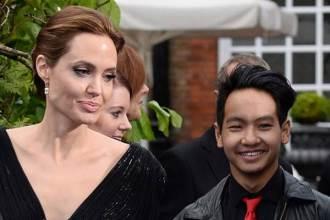 Con trai Angelina Jolie lén quay phim Brad Pitt để giúp mẹ chống lại bố?