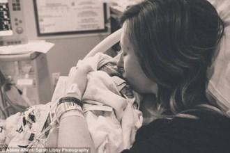 Bé sơ sinh chỉ sống một cuộc đời 15 tiếng rồi được hiến tạng và ra đi mãi mãi