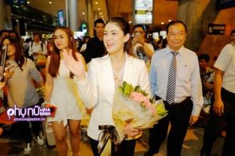 Khán giả vây kín mỹ nhân Philippines - Carla Abellana khi vừa đến Việt Nam