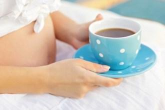 Trẻ em mắc bệnh máu trắng nếu mẹ mang thai uống nhiều cafe