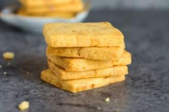 Tết này làm bánh quy đậu phộng thơm bùi mời khách nhé!