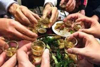 Bí quyết đơn giản chống say rượu dịp Tết